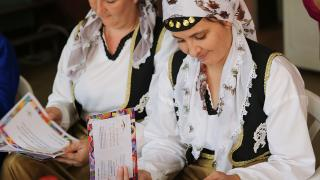 Bosnian women taking part in our #MessageToMySister campaign. Photo: Women for Women International