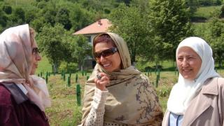 Graduate Fazila Efendic (right) encouraged Women for Women International to bring its programmes for women survivors of war to Srebrenica. Women for Women International