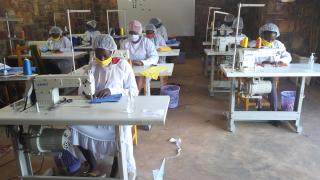 Graduates in Rwanda are using their power and mobilising to make masks to keep their communities safe and healthy during this global pandemic.